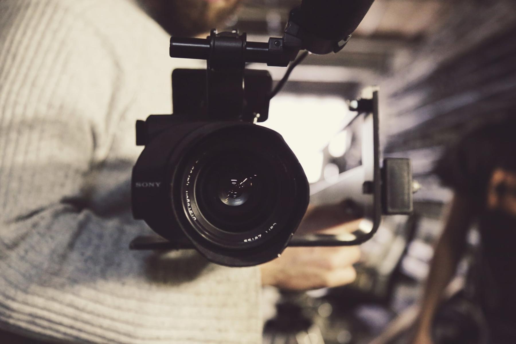 """(Македонски) Јавен повик за понуди за изготвување документарно видео во рамките на проектот """"Отвораме можности"""""""