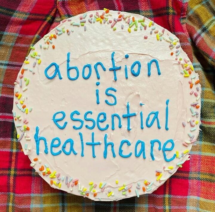 Што треба да знаеме за абортусната грижа за време на КОВИД-19?