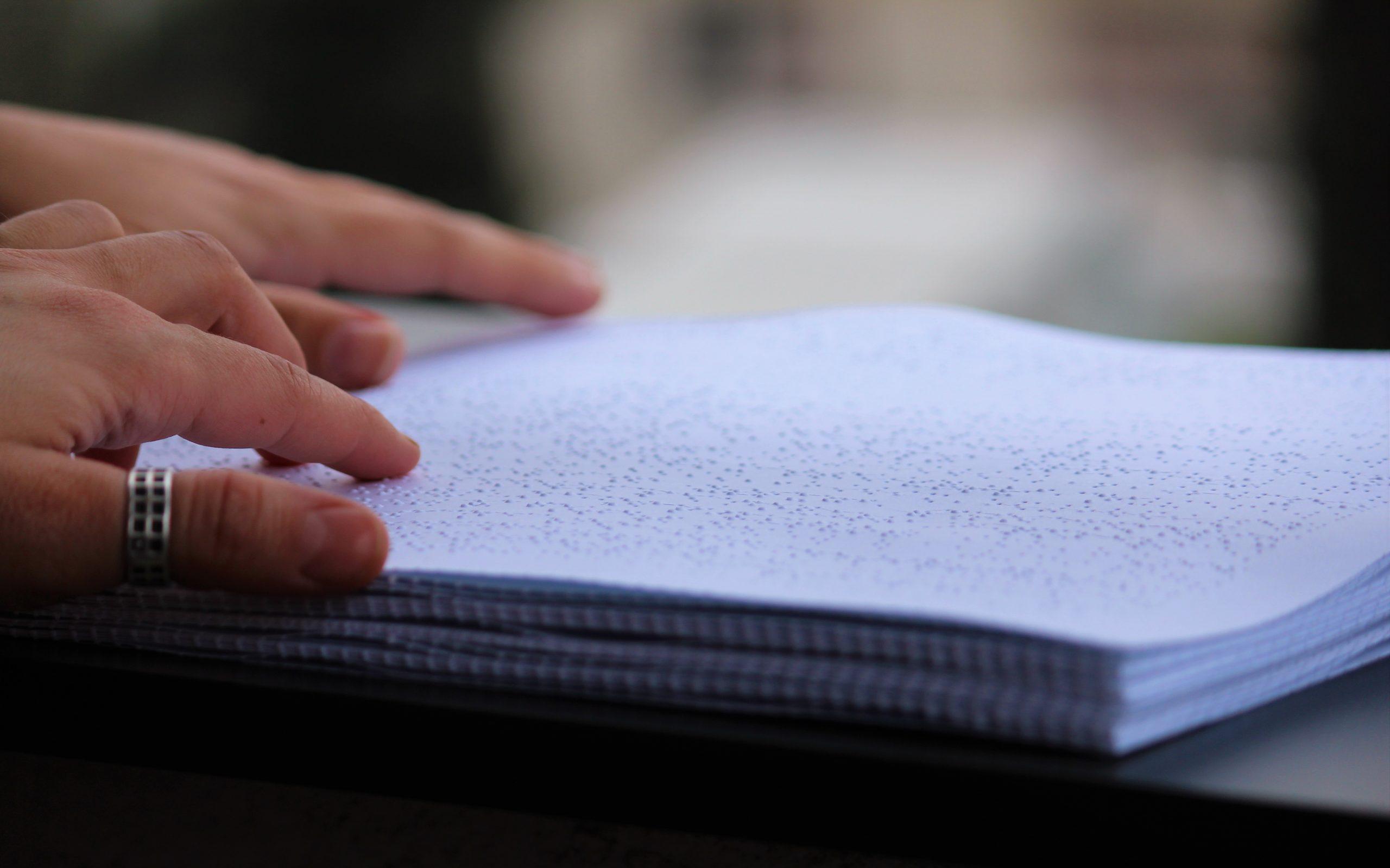 Основни информации за семејно насилство за лица со попреченост и даватели на услуги на Брајово писмо и во лесно разбирлив формат